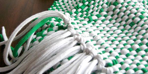 van oude kleden kussens maken