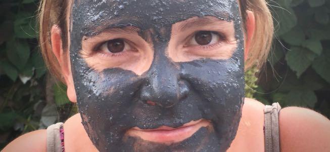I ♥ ECO & DRUANTIA: gezichtsmasker met actieve kool en groene klei