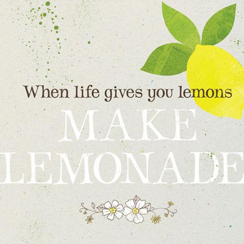 Maak zelf een fleurige limonade!